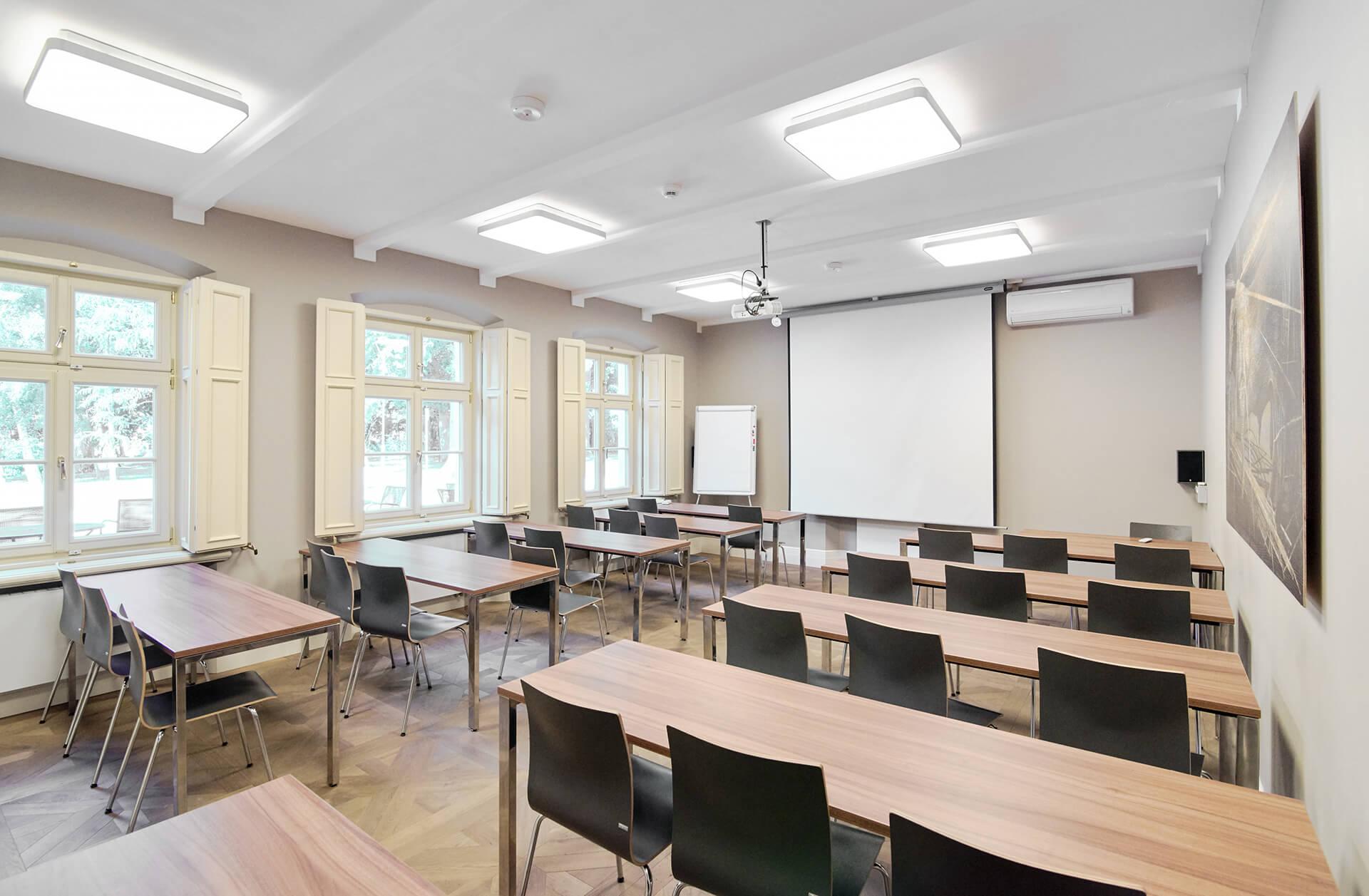 ESA_campus_lecturehall_2